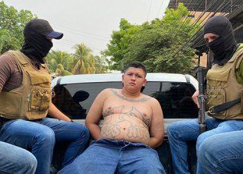 """Se informó que entre los detenidos fue capturado el pandillero apodado como """"El Chino"""", segundo al mando de la pandilla 18 a nivel noroccidental del país."""