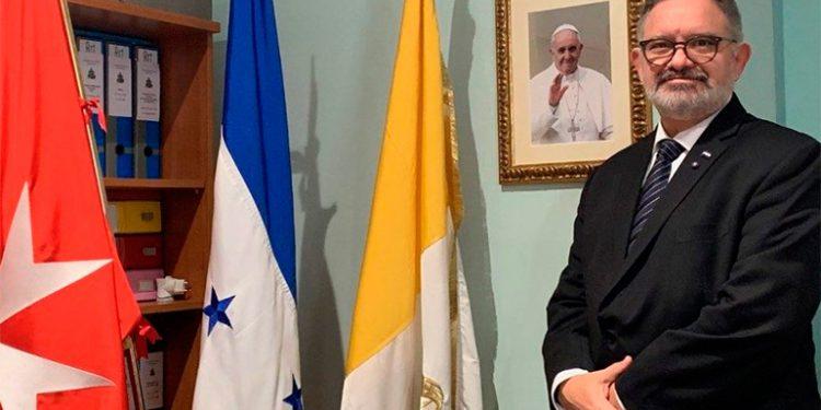 Embajador de Honduras en el Vaticano aclara que no fue destituido