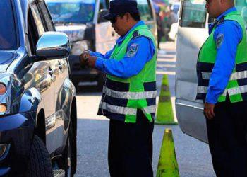 Decomisan 192 licencias de conducir durante toque de queda