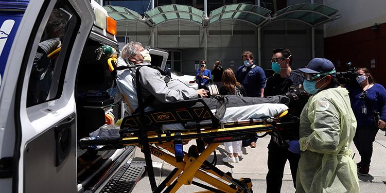 EEUU registra 1.255 muertos por covid-19 en 24 horas