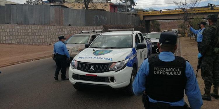 22 mil personas detenidas por violar toque de queda