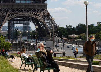 """Francia levanta restricciones ante unos resultados """"mejores de lo esperado"""""""