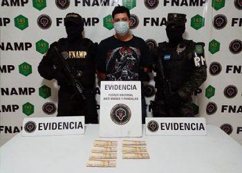 """A Erick Joel Acosta Mendoza, las autoridades policiales lo consideran un peligroso """"gatillero"""" de la pandilla 18."""