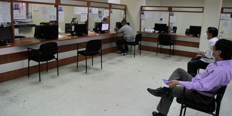 IP reinicia trámites en oficinas de la capital
