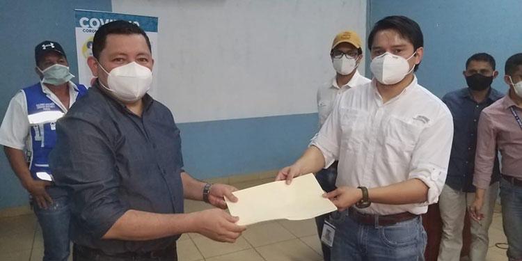 Ayer le fue entregado el nombramiento al doctor Marvin Ordóñez como director de la Región de Salud VII, de El Paraíso.