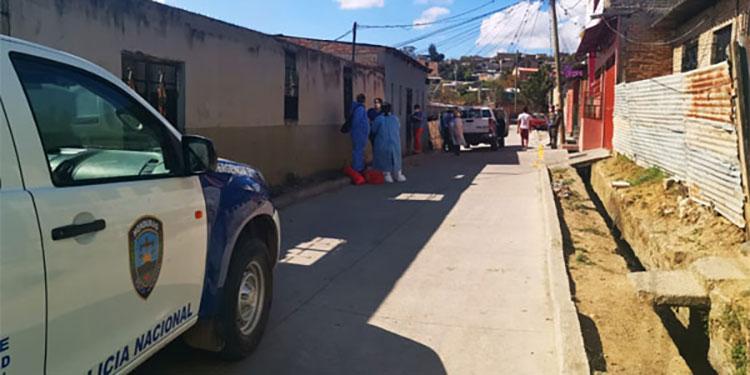 Las autoridades de la región metropolitana han solicitado a la población que les permita ingresar a las viviendas donde hay pacientes positivos de COVID-19.