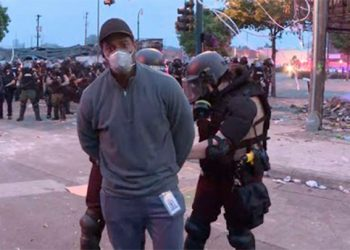 Equipo de CNN es arrestado durante cobertura de disturbios por muerte de afroamericano