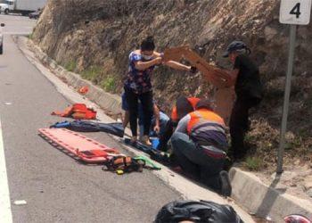 Uno de los agentes motorizados murió al instante del brutal accidente vial en la carretera CA-5, entre El Rosario y Siguatepeque, departamento de Comayagua.