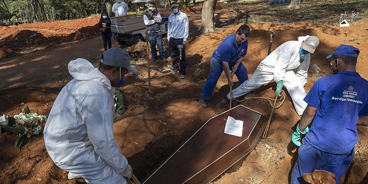 Brasil y EE.UU. baten récords de muertos por coronavirus