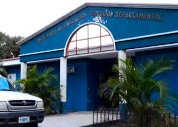 Secretaría de Educación advierte que sancionarán a escuelas que retengan certificados por falta de gago