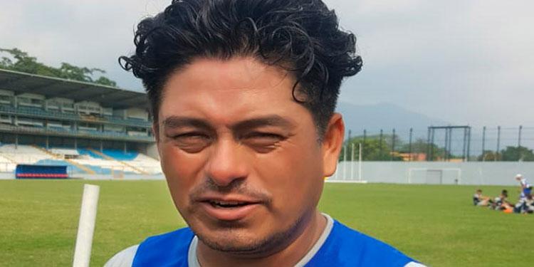 Tilguath es de la opinión que el jugador extranjero debe ser mejor que el nacional.