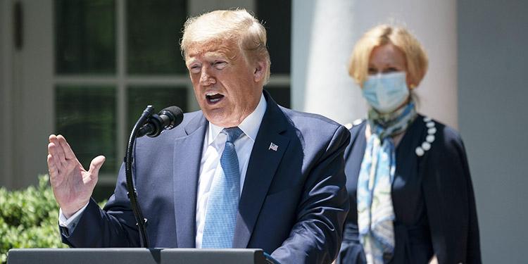 Trump espera una vacuna contra el coronavirus para final de año o 'quizás antes'