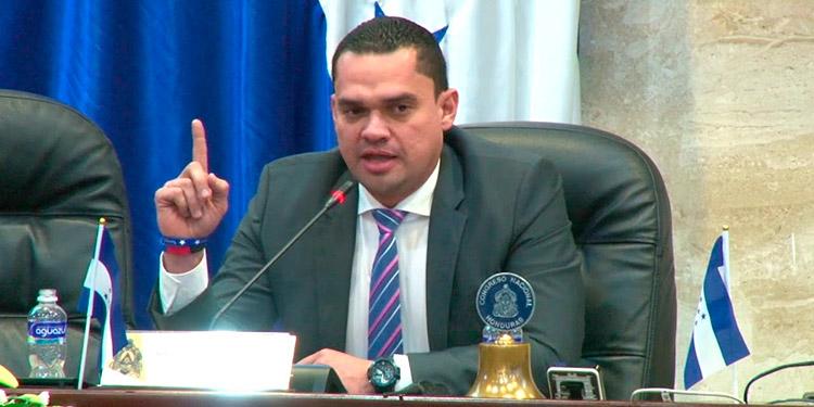 """Tomás Zambrano: """"No se cumplen los requisitos para la Convocatoria a Sesiones Extraordinarias"""""""
