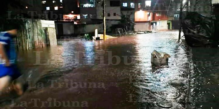 Lluvias dejan a una persona herida y varias viviendas dañadas en la capital