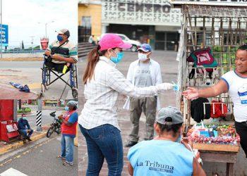 Olga Alvarado, también les entregó mascarillas para protegerse del COVID-19.