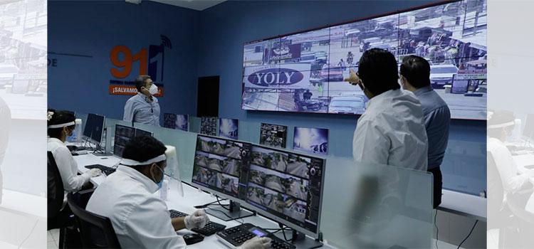 Presidente Hernández visitó hoy el Centro de operaciones del 911 en Choluteca