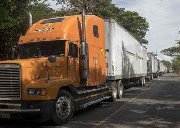 Costa Rica acepta flexibilizar restricciones al transporte centroamericano