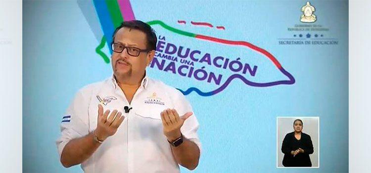 Ministro de Educación: Año escolar no está perdido