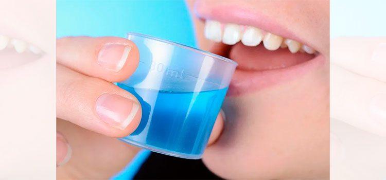 """¿Puede ser el enjuague bucal la """"verdadera"""" cura para el coronavirus?"""