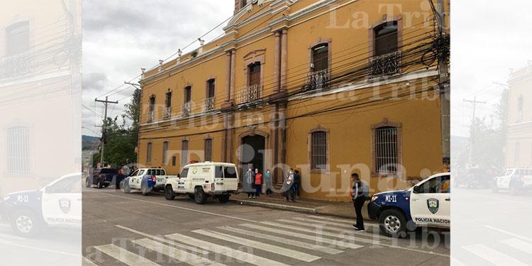 Estrangulado muere paciente con COVID-19 en el Hospital San Felipe