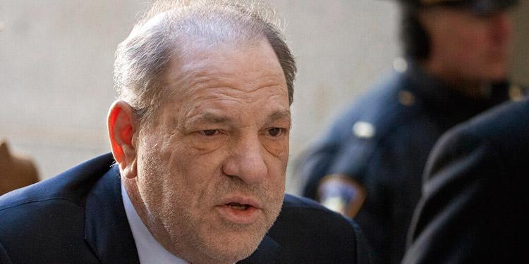 Weinstein me violó a los 17 años, dice demandante