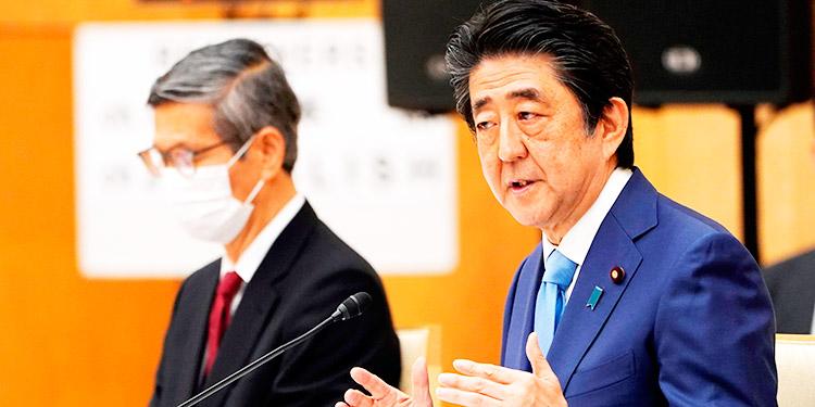 Japón extiende alerta sanitaria y se prepara para un 'nuevo estilo de vida'