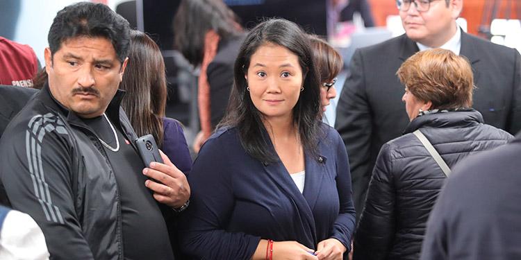 Keiko Fujimori dice que no vivirá con su familia hasta descartar el COVID-19