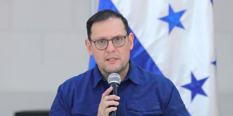 Lisandro Rosales: 'esperamos que el pueblo hondureño nos disculpe por haber confiado en COVAX'
