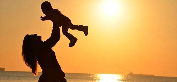¿Qué tipo de madre eres según tu signo del Zodiaco?