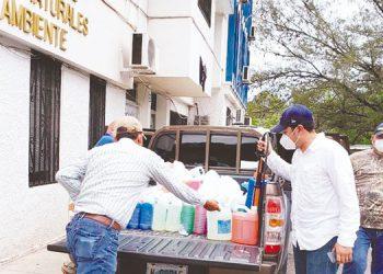 El gobierno central, las municipalidades, la empresa privada y la población en general deben considerar las recomendaciones o prácticas de higiene.