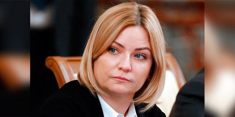 Ministra de cultura de Rusia tiene COVID-19