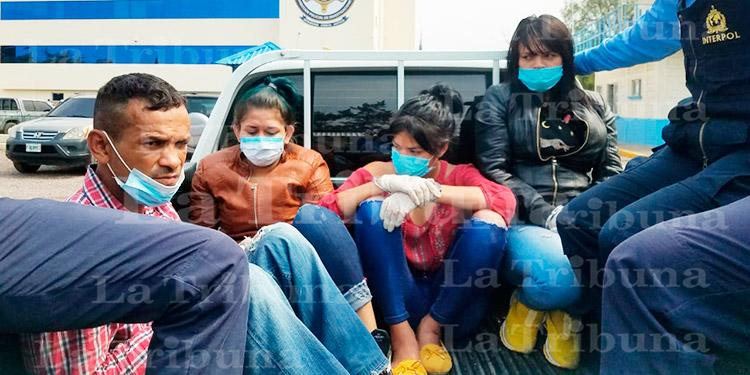 Caen cuatro presuntos miembros de la MS-13 en centro de distribución de drogas