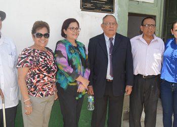Periodistas en Güinope durante el acto de colocación de la placa en la casa donde nació Paulino Valladares.