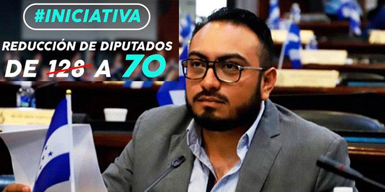 Karlo Villatoro, propone pasar de 128 a nada más 70 diputados.
