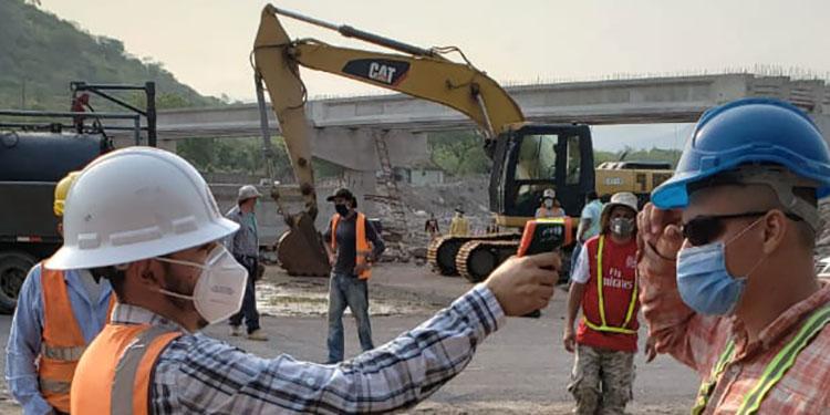 Con medidas de bioseguridad se reanuda construcción del puente sobre el río Chiquito