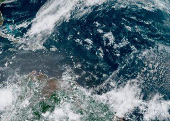 Sistema de baja presión en el Atlántico puede ser primera tormenta de 2020