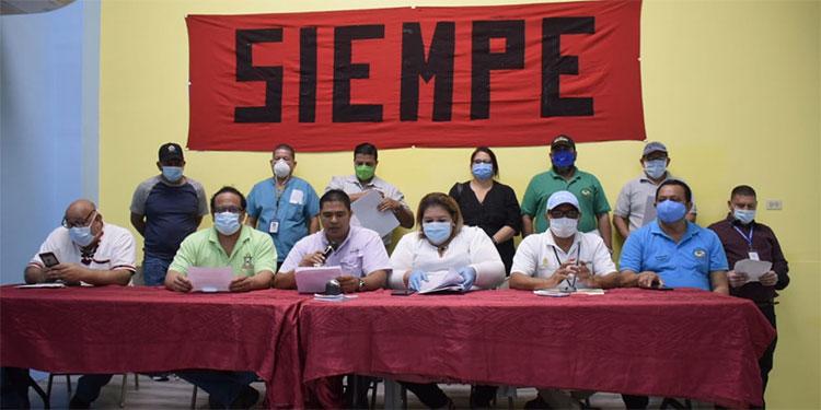 Más de 13 organizaciones sindicales del sector público se sumaron a la petición de proteger los derechos laborales en el Congreso Nacional.