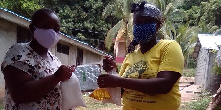 Reciben con alegría alimento escolar para 381,000 niños indígenas