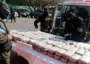 Los antipandillas decomisaron en abril un cargamento de marihuana, oculta en un compartimiento falso, debajo de una camilla y al interior de una ambulancia.