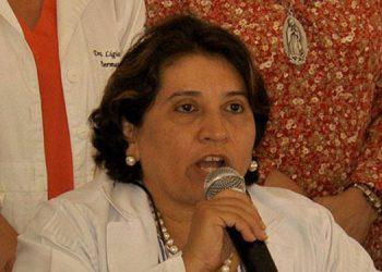 La presidenta del CMH, Suyapa Figueroa manifestó que es un atentado abrir los comercios cuando hay incremento de los casos.