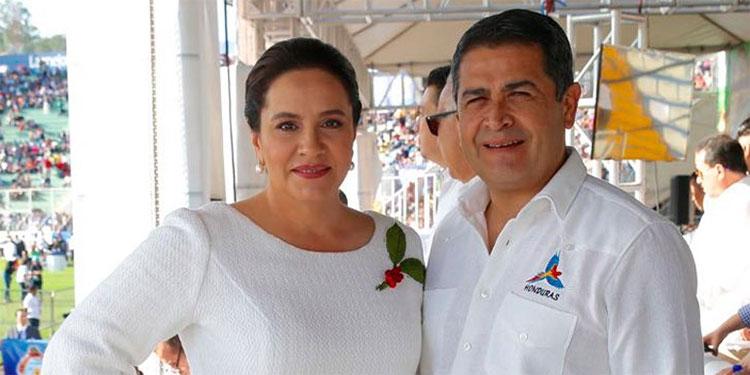 Ana García y Juan Orlando Hernández.
