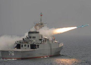 Arabia Saudí obligó a retroceder con disparos a barcos iraníes de sus aguas