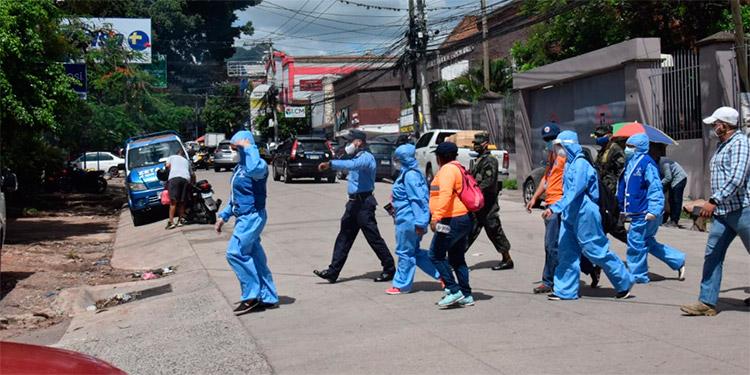 Brigadas COVID-19 visitan más de 600 viviendas