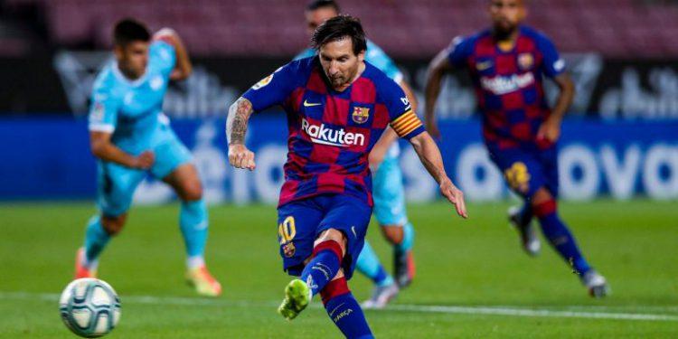 Ansu despierta al Barca y Messi remata un mal partido del Barca