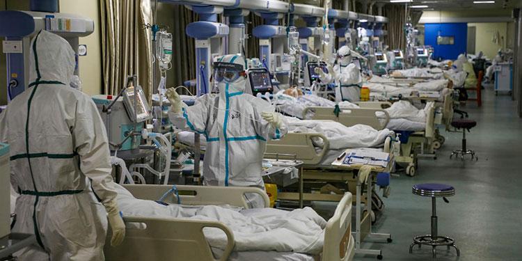 Hospitales en Texas y Florida cerca de su máxima capacidad