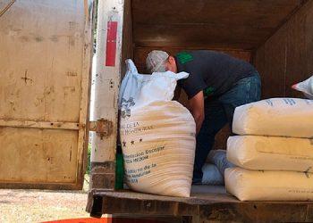 Un total de 2,000 familias han recibido raciones de alimentos en Choloma, Cortés.