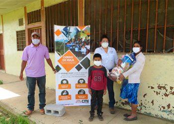 Parque Eólico entrega víveres en comunidades de Santa Ana y San Buenaventura