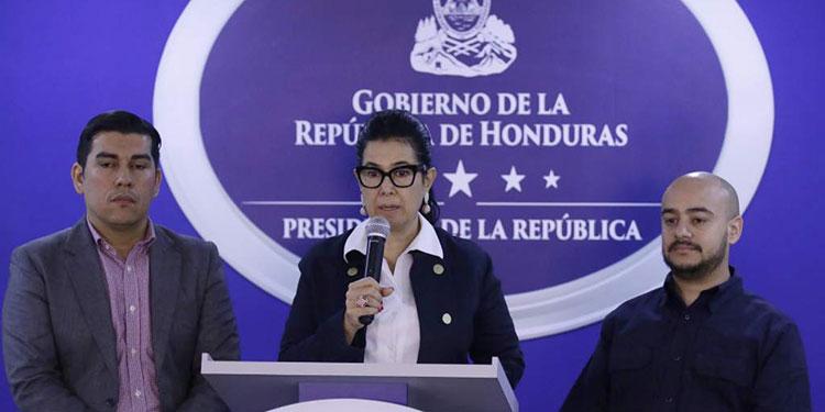 Miriam Guzmán deja cargo de interventora de la ENEE