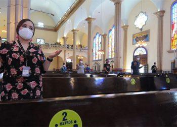 Muchos sectores de la sociedad pedían reabrir los actos religiosos en las iglesias.