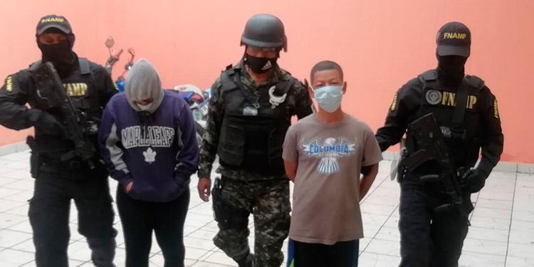 Capturados padre e hija por extorsionistas